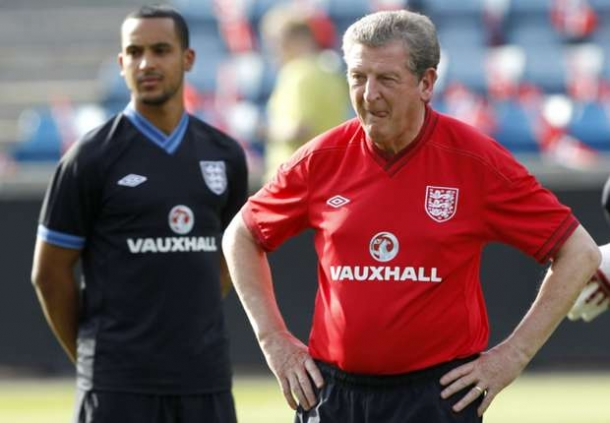 Roy Hodgson Sangat Menyayangkan Cedera Theo Walcott