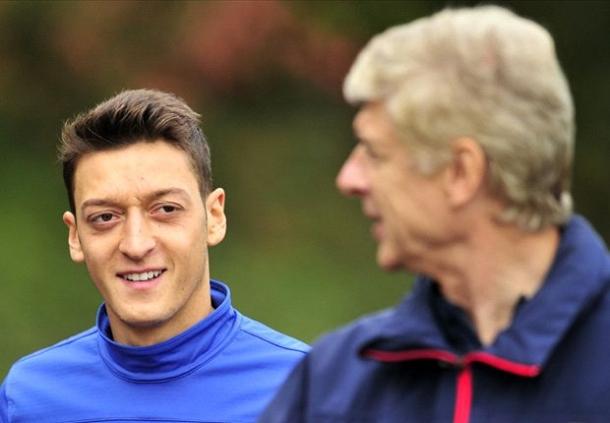 Mezut Ozil Diharap Tak Terlalu Pikirkan Kritik