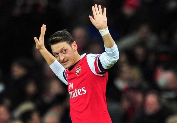Joachim Low: Mesut Ozil Masih Belajar Bahasa Tubuh