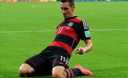 Miroslav Klose Akan Pensiun Musim Depan