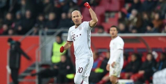 Bayern Munich Kian Kokoh Di Puncak Klasemen