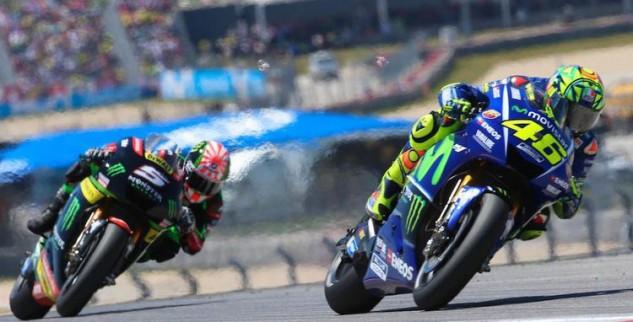 Rossi Hampir Bersenggolan Dengan Zarco