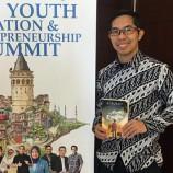 20 Ribu Terjual Pencapaian Novel Anak Rantau Di Posisi Best Seller