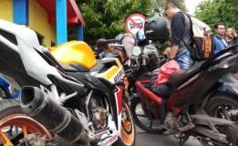 Di Surabaya Polisi Razia Motor Pakai Knalpot Brong Jelang Tahun Baru