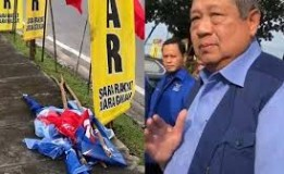 Insiden Vandalisme Pada Atribut Partai Demokrat Di Pekanbaru