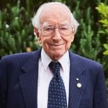 Kakek Berusia 94 Tahun Ini Tercatat Sebagai Wisudawan Tertua di Australia