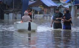 Terendam Banjir, Sejumlah Jalan di Kabupaten Bandung Terputus